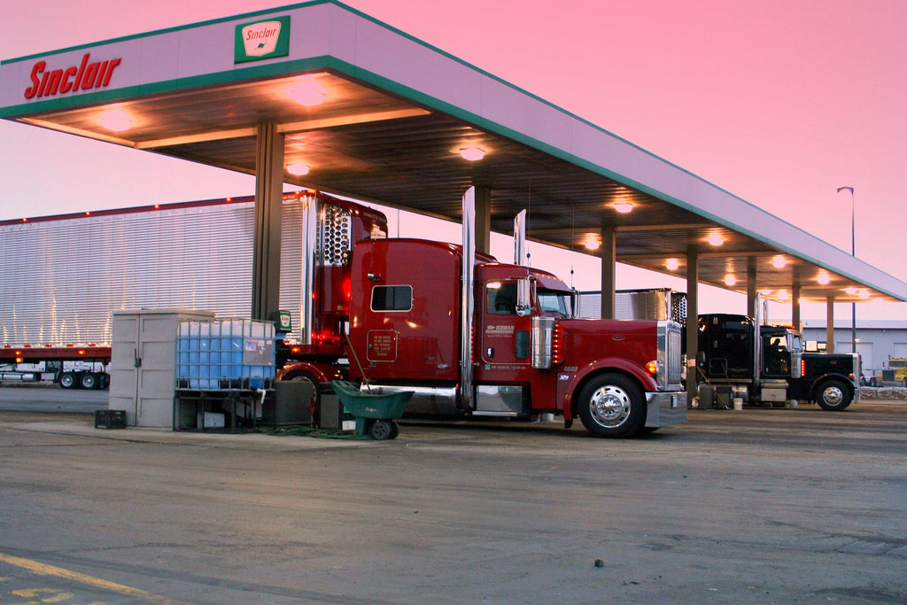 New Efficiency Standards Ordered for Heavy-Duty Trucks
