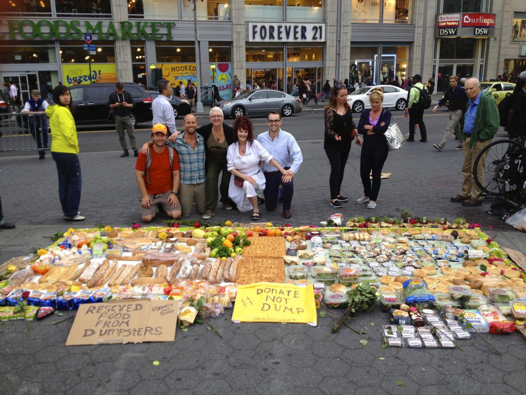 Rob Greenfield recovered all this food from dumpsters in New York City