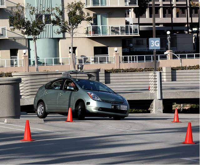 California passes a bill to legalize self-driving cars