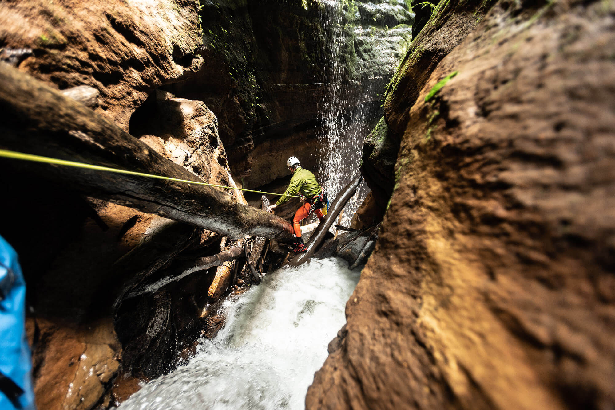 Canyoning in a narrow section of Tukad Dalam in Bali, Indonesia. Photo © Supersmarindo. Re:belay Canyoning.