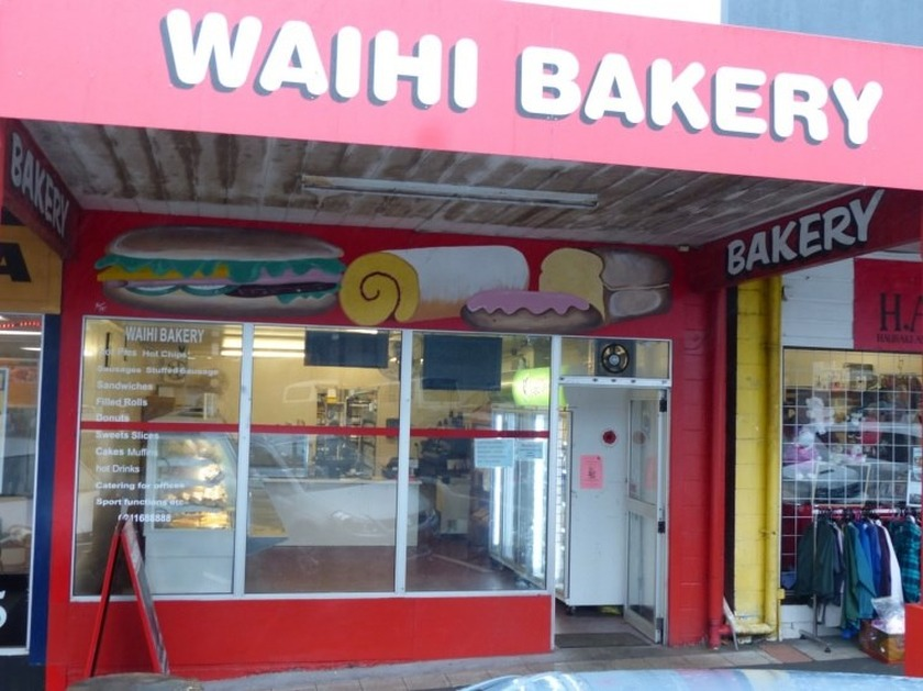 Kapai for the Pies @ Waihi Bakery