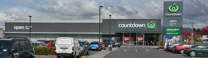 Fire closes Katikati Countdown