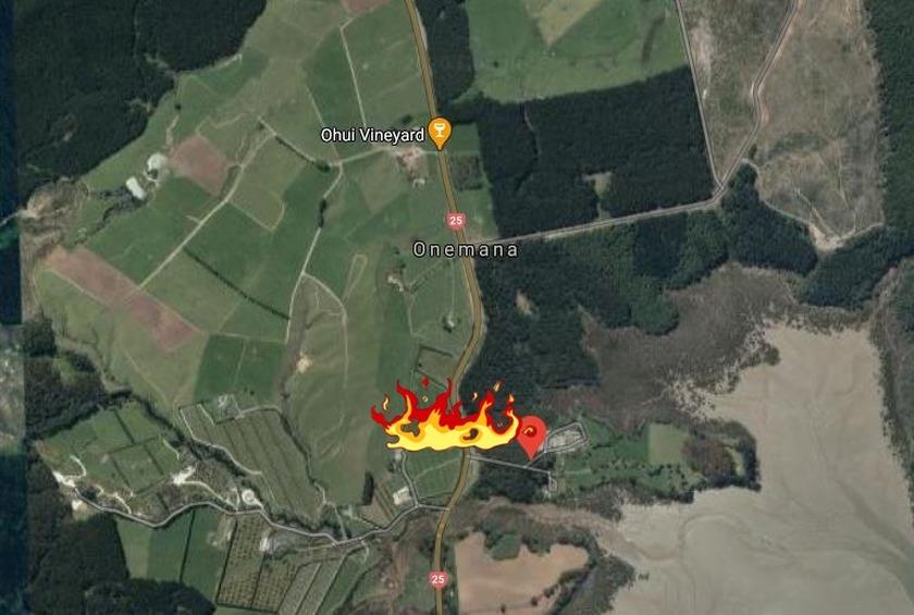 Fire closes road near Onemana