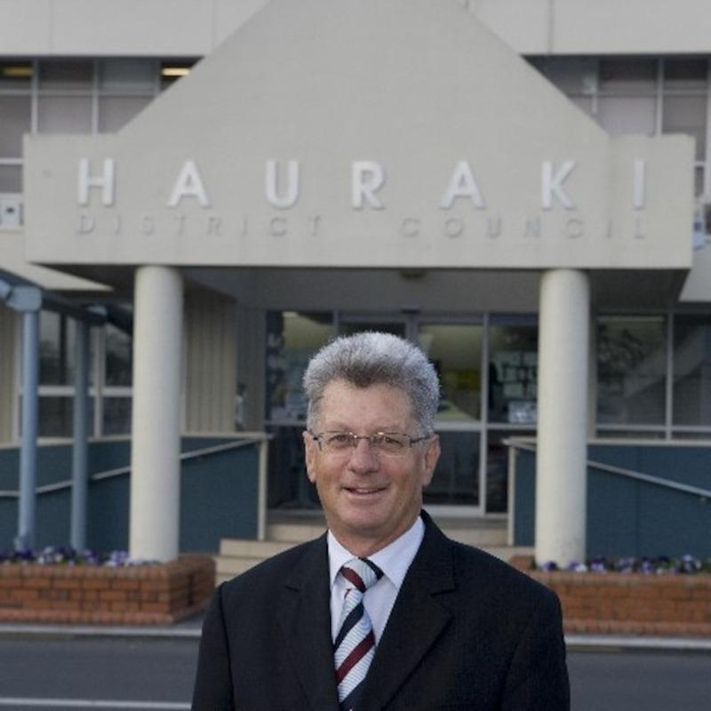 Hauraki District Mayor standing down