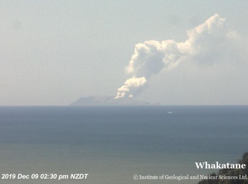 Whakaari / White Island Erupting