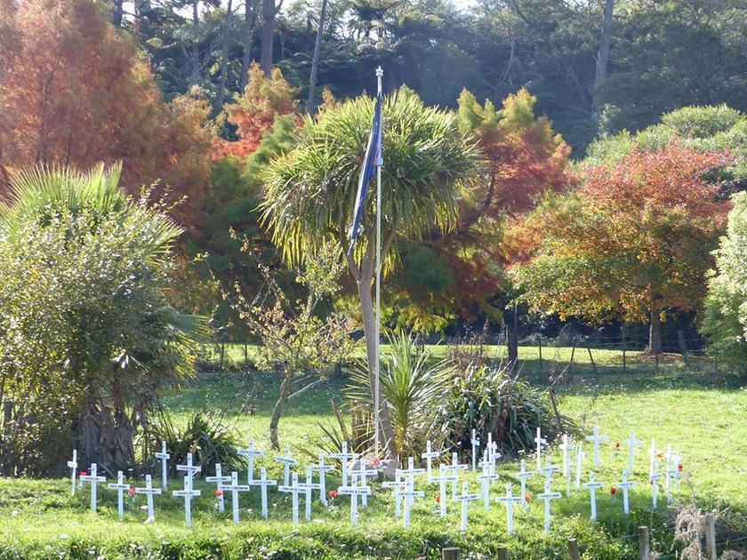 Waihi unlocks poppies and crosses for ANZAC Day