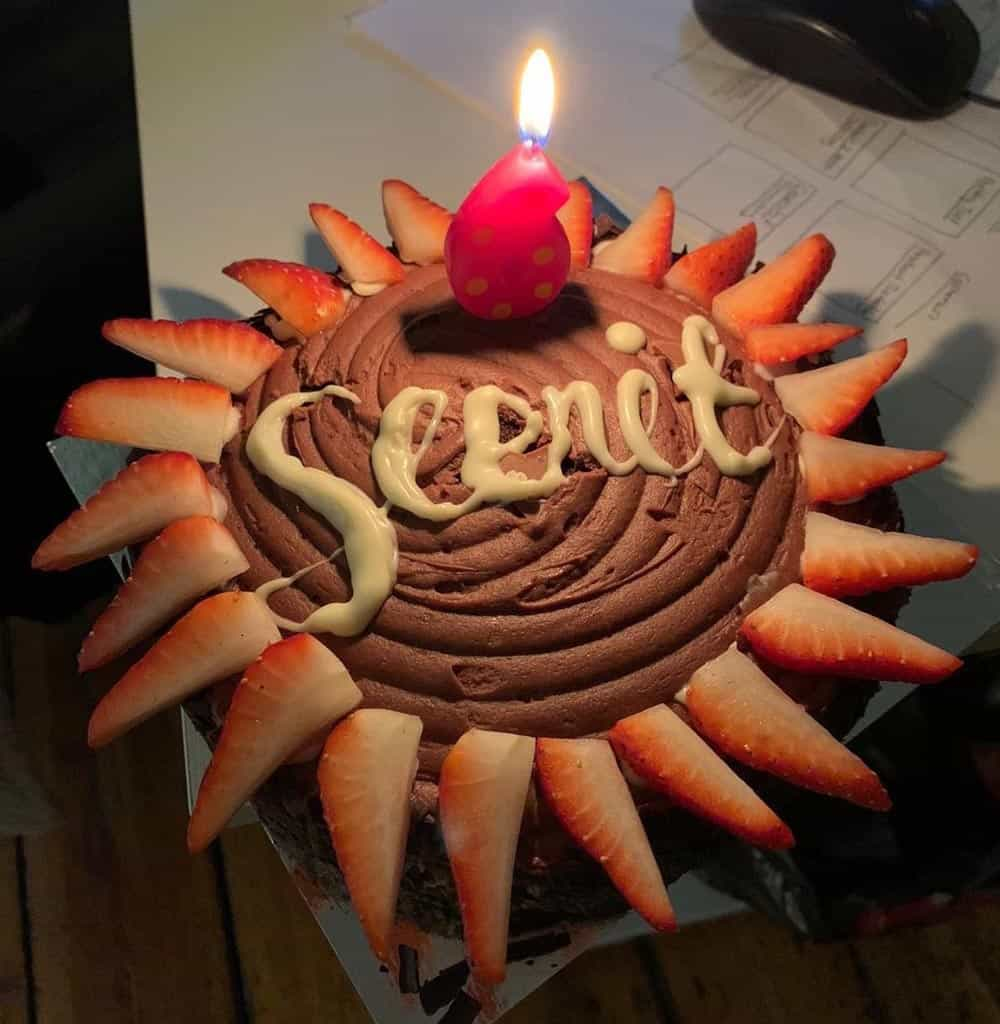 Seenit cake