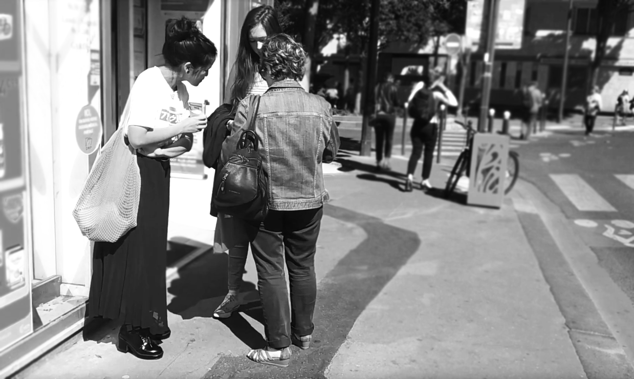 Picture of Ux designers doing a guerilla test in front of a pharmacy for Medicamentum