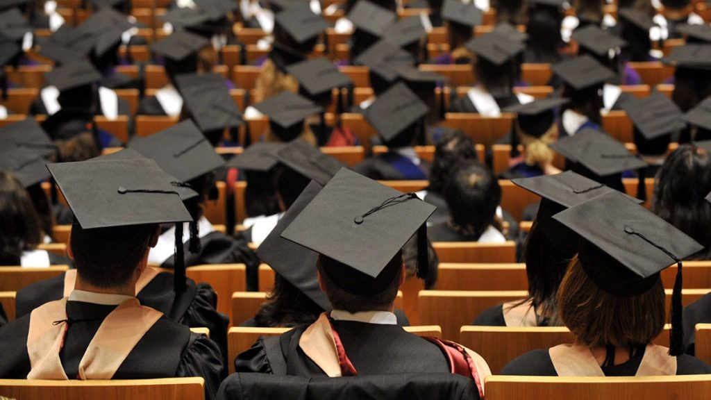 A kormány és a diplomások ára